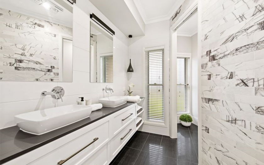 Betty-Jo_Bathroom
